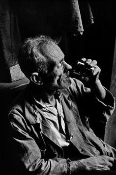 "Magnum Photos-1950 Ara Guler Inside an old 'Han"" (Inn) in the Galatasaray district of Istanbul."