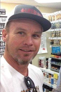 Jeff picking up some art supplies for me. Love Me Like, Love Of My Life, Jeff Ament, Pearl Jam Eddie Vedder, Led Zeppelin, Pj, Cute Boys, Songs, Art Supplies