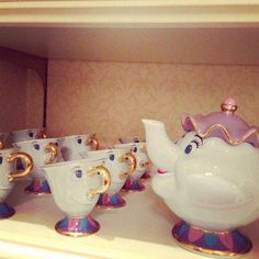Teacups looking like they're singing in a choir...