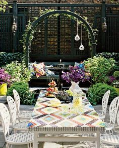 Nanette Lepore's Manhattan garden designed by Jonathan Adler via Elle Decor