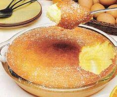 1 dl de sumo de laranja 200 g de açúcar 8 ovos margarina para untar açúcar em pó para polvilhar Num recipiente, coloca-se o sumo da laranja, o açúcar, as gemas e 4 claras. Bate-se tudo com o auxilio da batedeira e reserva-se. De seguida...