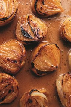 Miso Butter, Vegetarian Recipes, Cooking Recipes, Yotam Ottolenghi, Veggie Side Dishes, Vegetable Sides, Vegetable Recipes, Savarin, Onion Recipes
