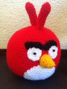 Amigurumi Angry Bird Rojo - Patrón Gratis en Español http://sweet-dollies.blogspot.com.es/2012/06/amigurumi-angry-bird-rojo-y-verde.html