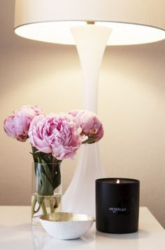 Love the peonies, elegant lamp and white ceramic bowl with gold foil inside