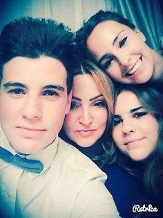 Mis hijos y mi hermana que adoro :))
