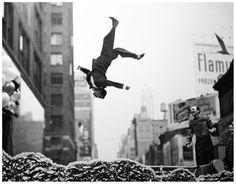 Happy Photographer : Garry Winogrand Year: 1950 ___________________ Música de hoje: Michael Jackson - Happy http://www.youtube.com/watch?v=v6gBr5ZY4j0   time_to_remember