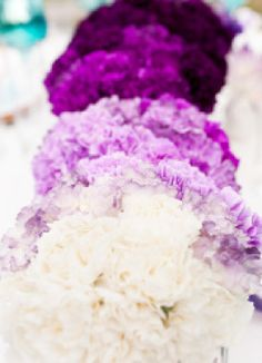 Beautiful ombre flowers for a city-chic wedding look! | Stephanie Yonce Photography