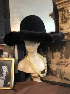 f59e562b3a3cb Fabulous Vintage Mod Boho Mr John Jr Black Wool Mink Fur Trim Ladies  Statement Hat Gift for Her