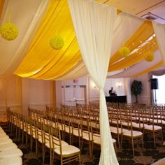 The perfect blend of modern draping with traditional style, Design House Décor created a tented look for this NY Hindu Ceremony!