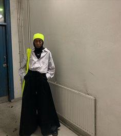 Street Hijab Fashion, Muslim Fashion, Abaya Fashion, Modest Outfits, Chic Outfits, Fashion Outfits, Hijab Casual, Hijab Outfit, Hijab Bride