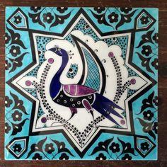 Glass Painting Designs, Paint Designs, Art And Illustration, Persian Motifs, Turkish Tiles, 3d Painting, Decorative Tile, Tile Art, Tile Patterns