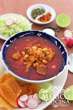 How to Make Red Pozole │Cómo Hacer Pozole Rojo Nothing more Mexican than a Pozole ! This recipe is for a red pozole, even though in Mexico we also have white and green. Authentic Mexican Recipes, Mexican Food Recipes, Ethnic Recipes, Mexican Desserts, Mexican Easy, Vegetarian Recipes, Mexican Drinks, Dinner Recipes, Vegetarian Mexican