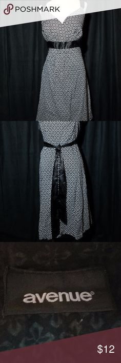 Avenue Black & White dress with tie back size 20W Avenue Black & White dress with tie back size 20W VERY CUTE SUMMER DRESS. WIDE SHOULDER STRAPS. Avenue Dresses