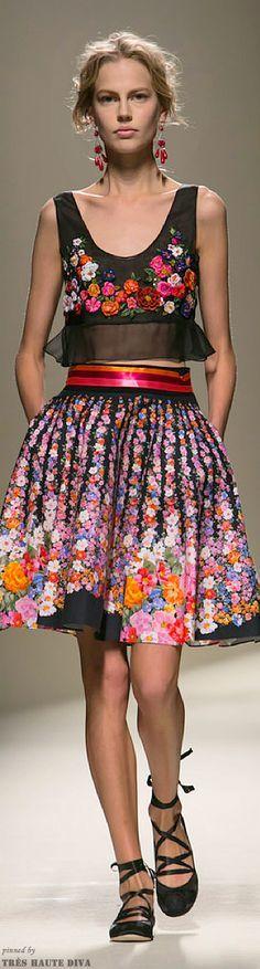 Résultats de recherche d'images pour «Japanese designer Tokuko Maeda's Spring/Summer 2012»