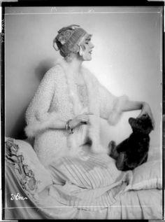 lauramcphee:  fashion photography, c1920(madame d'ora)