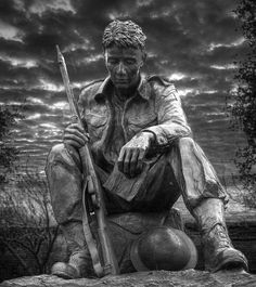 The statue of a soldier from WWII Outside the D-Day Museum at Portsmouth.