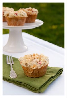 Berry Lovely: Rhubarb Crumble Muffins