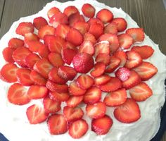 Suomen paras mansikkakkku Lassi, Strawberry, Fruit, Food, Essen, Strawberry Fruit, Meals, Strawberries, Yemek