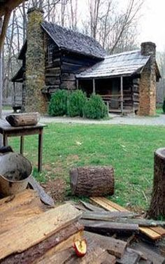 Mountain Farm Museum and Mingus Mill - Great Smoky Mountains National Park (U. Log Cabin Living, Log Cabin Homes, Old Cabins, Cabins And Cottages, Tiny House, Smoky Mountain National Park, Smokey Mountain, Cabin In The Woods, Little Cabin