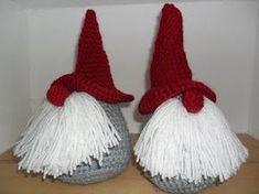 The Little Forest, handmade: 5 december: Tutorial en Give Away – Amigurumi Free Pattern İdeas. Crochet Gifts, Crochet Dolls, Free Crochet, Crochet Christmas Ornaments, Crochet Quilt, Doll Tutorial, Crochet Flowers, Minis, Crochet Projects