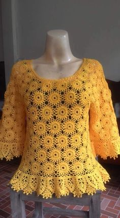 Cute and Awesome Crochet Top Patterns and Design Ideas Crochet T Shirts, Crochet Tunic, Crochet Clothes, Knit Crochet, Crochet Motifs, Filet Crochet, Crochet Stitches, Smocking Patterns, Knitting Patterns