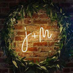 Idea for neon sign Wedding Goals, Boho Wedding, Wedding Planning, Dream Wedding, Wedding Day, Wedding Blog, Marriage Reception, Marriage Vows, Wedding Signage