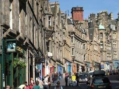 Edinburgh, Scotland - Royal Mile from Edinburgh Castle to Holyrood Palace, official residence of the British monarchs. Visit Edinburgh, Edinburgh Castle, Edinburgh Scotland, Places To Travel, Places To See, Vacation Places, Royal Mile Edinburgh, Travel Around The World, Canela