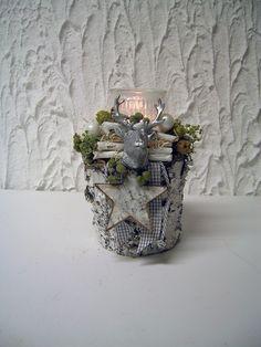 Weihnachtsgesteck - Adventsgesteck - Hirsch silber von kunstbedarf24 auf DaWanda.com
