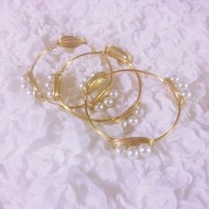 Handmade Preppy Pearl Gold Wire Bangle Bracelet Set of 3 #prep #preppy #southern #shop https://www.etsy.com/listing/231235299/free-shipping-set-of-three-3-pearls-gold