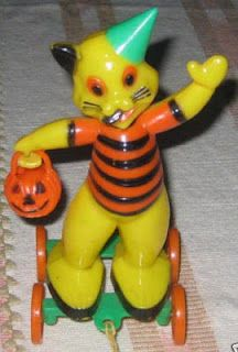 Vintage Halloween Plastic Candy Container ~ Rolling Cat w/ Pumpkin