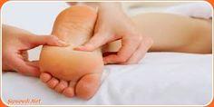 ayak bölgesinde #su #toplamasının nedeni dokularda meydana gelen zedelenmelerle birlikte alt deri ve üst deri arasında su toplamasıyla meydana gelir. Topuklarda, parmaklarda ve ayak tabanın da görülebilir.