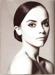 The arch in her brows is gorgeous, although I myself would do a slightly bolder brow.