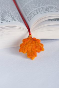SHIPPING TO USA FROM ALBANIA TAKES 15 - 20 DAYS!!!!    This needle felted beautiful fall leaf bookmark is very nice gift for book lovers or for