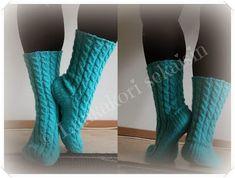 Lankakori Sekaisin: Unipalmikko sukat Diy Crochet And Knitting, Knitting Socks, Knit Socks, Womens Wool Socks, Boot Cuffs, Yarn Colors, One Color, Colour, Leg Warmers