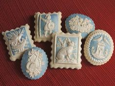 I paint these cookies for our Wedgwood gift set for our company Embossed Edibles. We create and paint Springerle cookies and embossed Gingerbread cookies. Fancy Cookies, Cute Cookies, Easter Cookies, Christmas Cookies, Cookies Store, Elegant Cookies, Christmas Desserts, Cupcakes, Cupcake Cookies