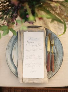 Beautiful calligraphy wedding invitation via oncewed.com