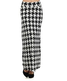 I want This White & Black Houndstooth Maxi Skirt...and in mocha, navy, red and green!