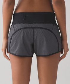 """Run times shorts  4-way stretch 4""""  teeny check print white black/black"""