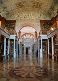 Naturstein.pro/partner Referenz in Budapest Monarch rot Marmor www.uni-stein.com