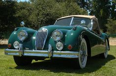 Old Fashion Car - Jaguar 1955 Old Fashioned Cars, Jaguar Xk120, Cute Cars, Retro Cars, Coventry, Bang Bang, Old Cars, Car Pictures, Bugatti