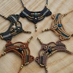 Diese kleinen Ketten gibt es jetzt in meinem Etsy-Shop☝️ #Makramee #ketten #necklace #halsketten #ausberlin #mandala #macrame #micromacrame #sonya6000 #sonyalpha6000 #etsy #etsyde #etsyshop #holz #berlinfashion #madewithlove #shadlada #madeinberlin #berlin #makrameeschmuck #handmade #handgemacht #gold #knüpfen #gipsyjewelry #schmuck #perlen #linhasita