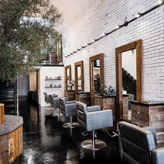 The salon is 100% custom made. From the stations to the tree bench to the receptionist area to the bathroom! I can keep going but I think you should make an appt. for you to see it with your own eyes and experience the real deal. To book your appt. call (747) 203•1626.