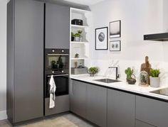 Modern antraciete keuken online te bekijken! Kitchen Room Design, Modern Kitchen Design, Interior Design Kitchen, Ikea Kitchen Cabinets, Kitchen Furniture, Küchen In U Form, Small House Design, Küchen Design, New Kitchen