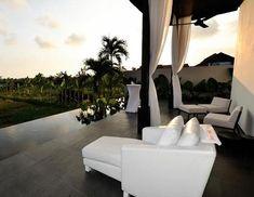 Stylish tropical terrace design