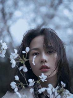 Reminds me a bit of Jennie Gage. Portraits, The Villain, Beautiful Asian Girls, Ulzzang Girl, Girl Photography, Pretty People, Asian Beauty, Cute Girls, Avatar