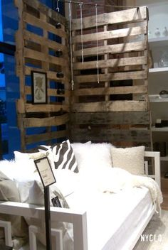 ::: FOCAL POINT :::: WEST ELM & PALLETS WITH PURPOSE...pallet corner in retail display