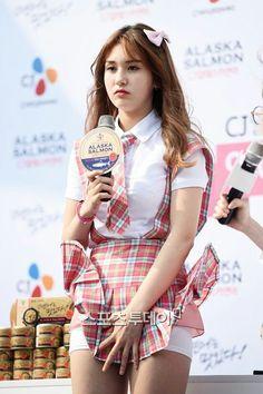 Beautiful Little Girls, Beautiful Asian Women, Beautiful Celebrities, Cute Girls, Skinny Asian, Petty Girl, Amy, Up Skirt Pics, Jeon Somi