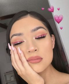 Find images and videos about girl, blue and aesthetic on We Heart It - the app to get lost in what you love. Rave Makeup, Glam Makeup, Skin Makeup, Makeup Inspo, Makeup Inspiration, Makeup Geek, Bridal Makeup, Makeup Eyeshadow, Wedding Makeup