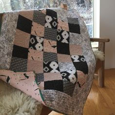 A baby quilt made with fabrics from Woven Fabric Gallery a Canadian online fabric shop. Fabric Shop, Quilt Making, Fabric Patterns, Baby Quilts, Fabrics, Blanket, Gallery, Home