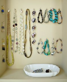 Dans le Townhouse: DIY Jewellery Display (from Scratch)
